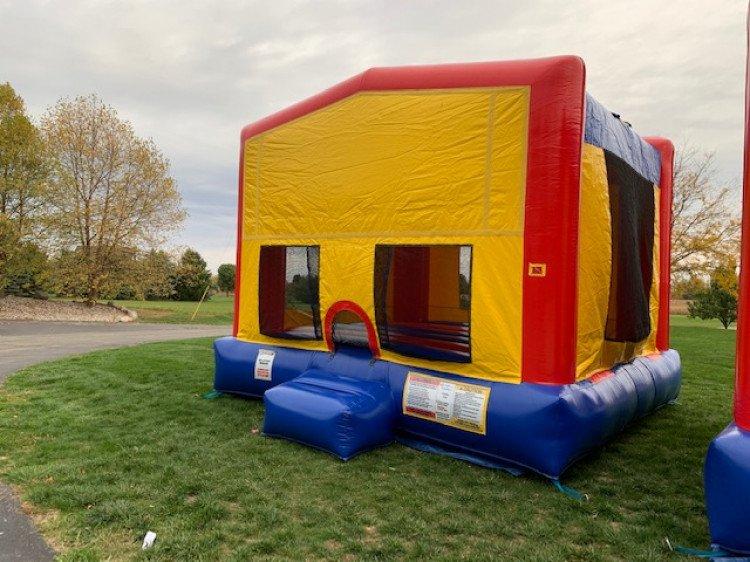 16' x15' Backyard Bouncer
